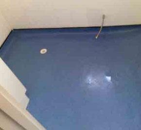 Wet room vinyl flooring wet room installation wet rooms for Wet room vinyl flooring